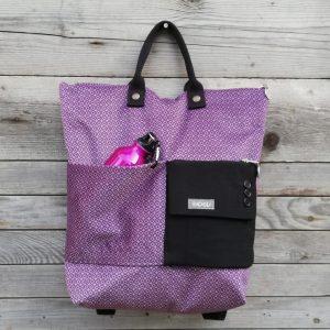 borsa trasformabile in zaino con una tasca fatta con una manica di giacca