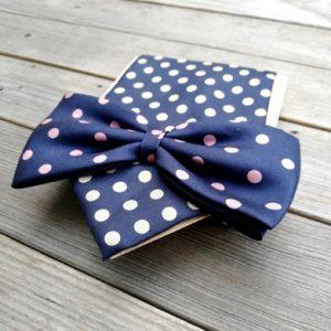 blocco cravatta e papillon con materiali di recupero fatto da Ricicli Design
